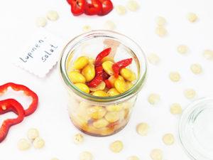 Lupine eine Hülsenfrucht